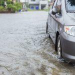ฝนตกอีกแล้ว จะออกไปทำงานลุยน้ำอย่างไรไม่ให้รถพัง ?